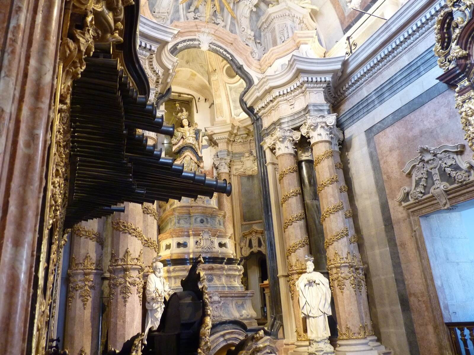 Torre e Igreja dos Clérigos 01 Porto Portugal Mundo Indefinido