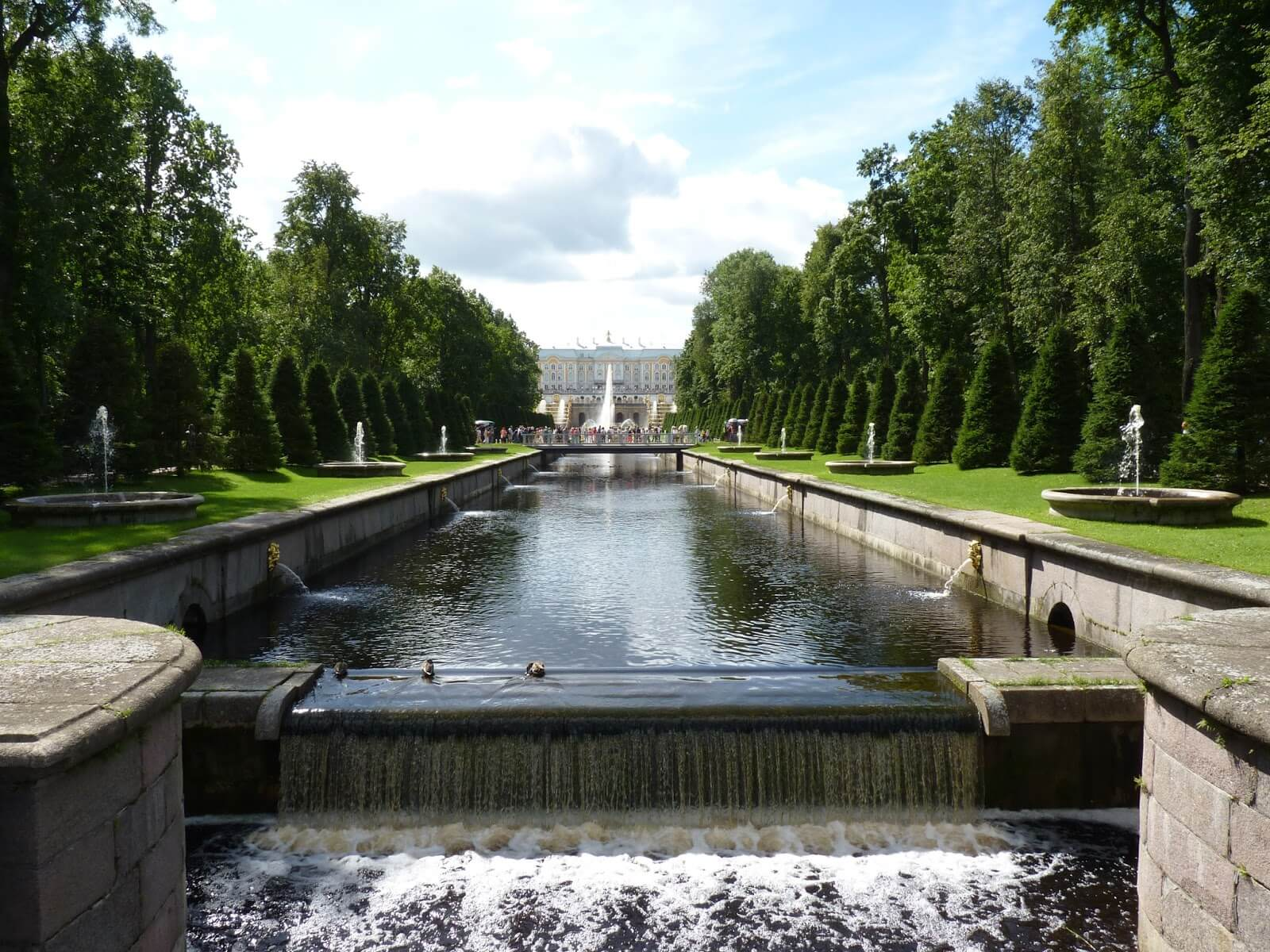 Peterhof com água 04 São Petersburgo Rússia Mundo Indefinido