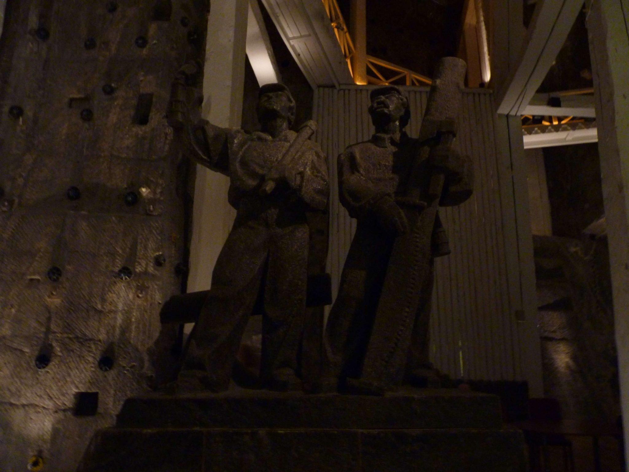 Esculturas 03 Minas de Sal de Wieliczka Polónia Mundo Indefinido