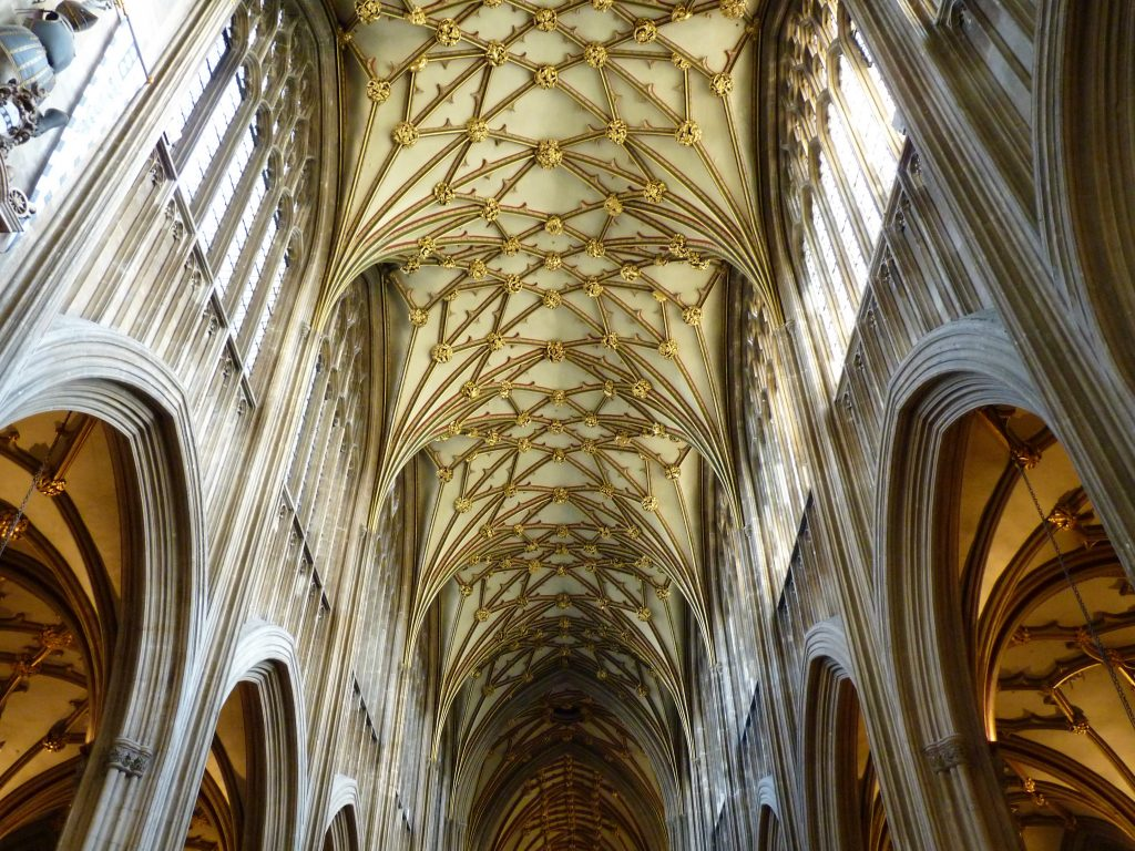 St Mary Redcliff interior Bristol Inglaterra 01